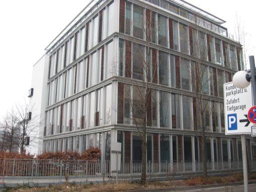 Anforderungen an den sommerlichen Wärmeschutz in einem Bürogebäude vor Einführung der EnEV 2002